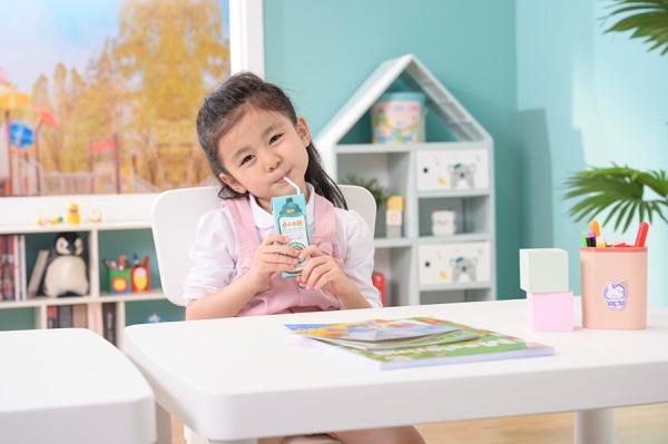 """3-7岁儿童营养新升级 小小鲁班开启儿童营养""""液态奶粉""""新时代"""